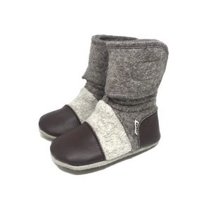 NOOK design baby shoes NWT